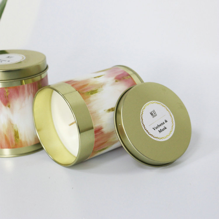 https://www.szfragrance.com/product/scented-candles/customizable-logo-and-design-paraffin-soy-wax-scetned-candle-in-tin-box.html